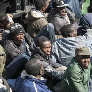 Immigrazione:110 sbarcati a Corigliano, assistenza da Comune