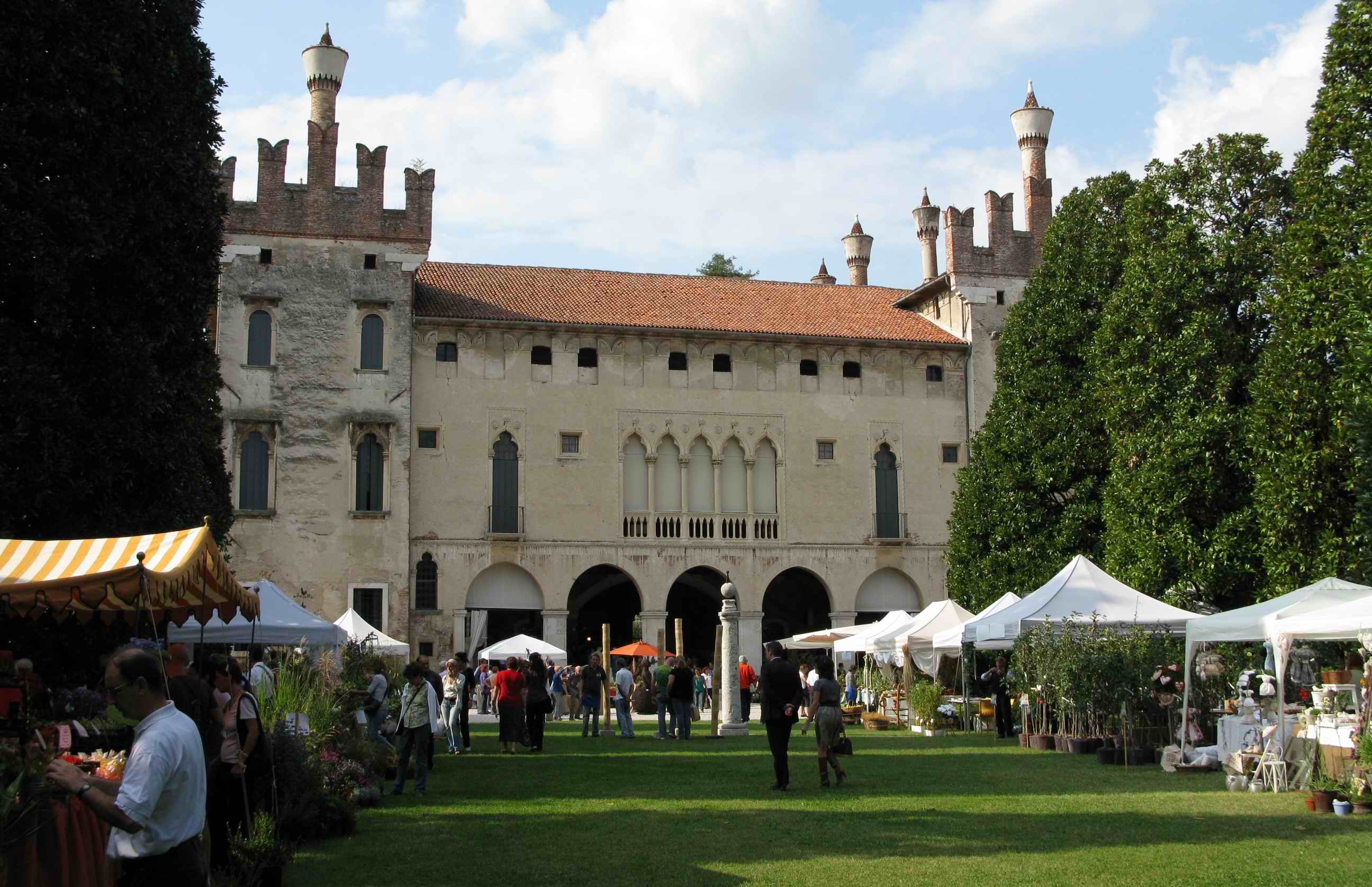 Thiene il verde di qualit va in scena al castello tutto for Castello di thiene