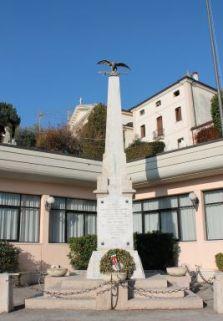 monumento-caduti-fara-vicentino
