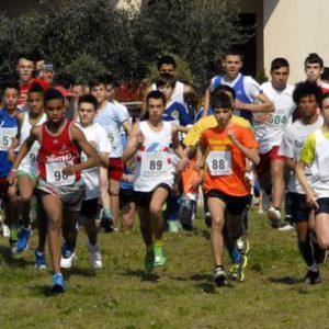Un momento delle finali di corsa campestre ai giochi studenteschi di Grosseto, 28 marzo 2014. ANSA/MATTEO ALFIERI