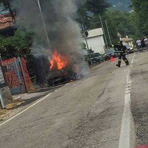 auto in fiamme a Zugliano
