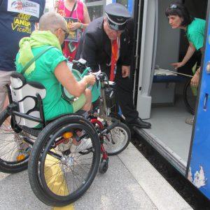 Disabili a Thiene non possono accedere alla carrozza del treno