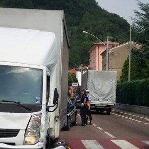 piovene camion travolge carrozzella