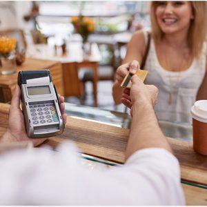 Carte-e-bancomat-anche-per-un-caffe