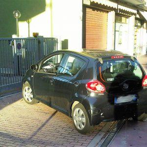 parcheggio davanti garage reato