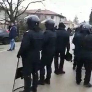 Piovene sfratto Scontro venetisti e carabinieri_2