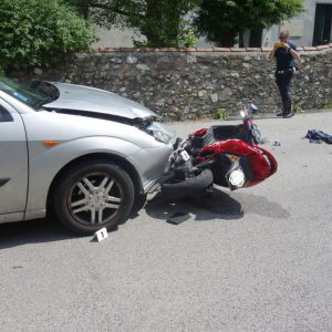 incidente schio moto auto