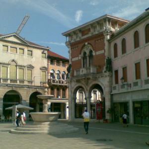 thiene-piazza-chilesotti-centro-storico-chiuso-traffico-referendum