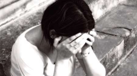donna-sola-triste