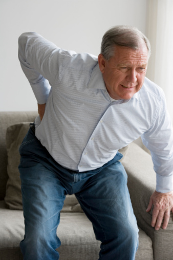 Mal di schiena, come riconoscerlo, cause e cure..